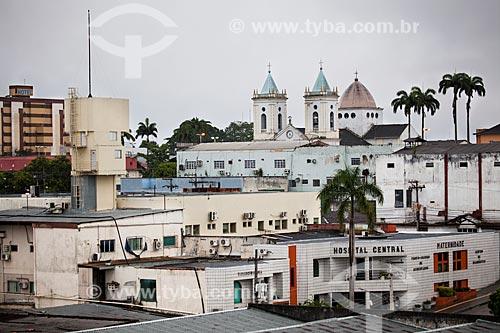 Assunto: Vista em primeiro plano do Hospital Central e ao fundo as duas torres da Catedral Sagrado Coração de Jesus / Local: Porto Velho - Rondônia (RO) - Brasil / Data: 11/2013