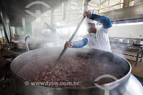 Assunto: Preparo de feijoada em caldeira / Local: Porto Velho - Rondônia (RO) - Brasil / Data: 11/2013