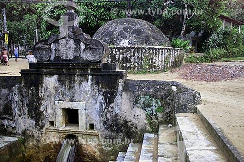 Assunto: Fonte Grande do Morro de São Paulo (1746) - também conhecida como Fonte do Imperador / Local: Cairu - Bahia (BA) - Brasil / Data: 04/1991