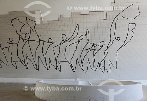Assunto: Painel representando a manifestação popular no Teatro Popular de Niterói (2007) - também conhecido como Teatro Popular Oscar Niemeyer / Local: Niterói - Rio de Janeiro (RJ) - Brasil / Data: 08/2013