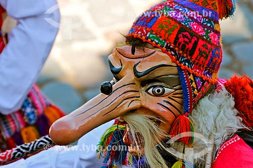 Assunto: Homem mascarado durante o Inti Raymi - festival religioso da civilização Inca em homenagem a Inti, o deus-sol, que marca o solstício de inverno / Local: Cusco - Peru - América do Sul / Data: 06/2012