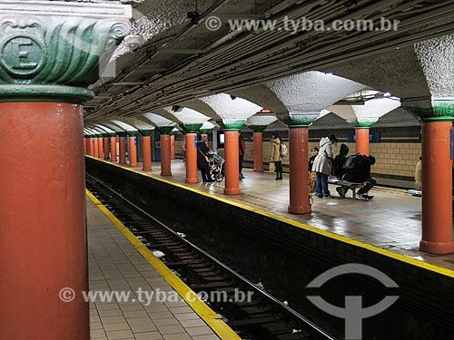 Assunto: Plataforma da estação de Exchange Place / Local: Nova Jersey - Estados Unidos - América do Norte / Data: 11/2013