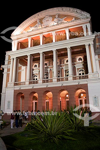 Assunto: Fachada do Teatro Amazonas (1896) / Local: Manaus - Amazonas (AM) - Brasil / Data: 03/2012