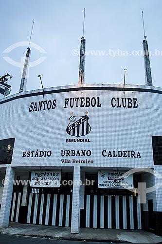 Assunto: Fachada do Estádio Urbano Caldeira (1916) - também conhecido como Vila Belmiro / Local: Santos - São Paulo (SP) - Brasil / Data: 12/2013