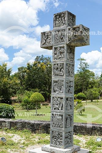 Assunto: Cruz próxima a Capela do Menino Jesus - também conhecida como Igreja de Pedra / Local: Itapetinga - Bahia (BA) - Brasil / Data: 01/2014
