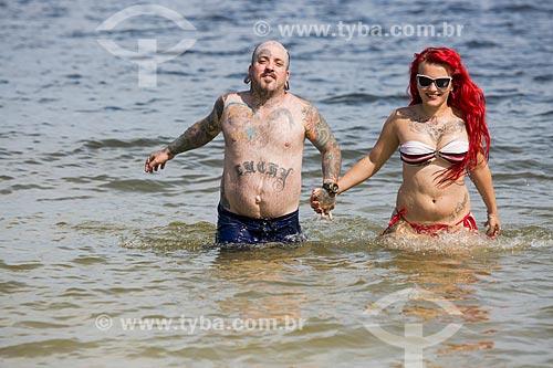 Casal na Praia do Forno - Uso editorial  - Arraial do Cabo - Rio de Janeiro - Brasil