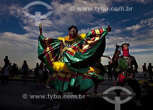 Assunto: Bate-bola no desfile do bloco de carnaval de rua Banda da Bolívar / Local: Copacabana - Rio de Janeiro (RJ) - Brasil / Data: 02/2012