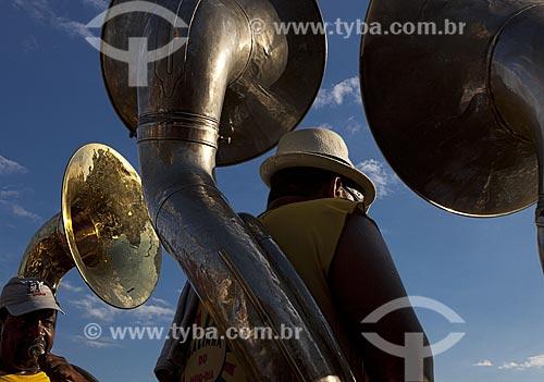 Assunto: Músicos durante o desfile do bloco de carnaval de rua Galinha do meio-dia / Local: Copacabana - Rio de Janeiro (RJ) - Brasil / Data: 02/2012