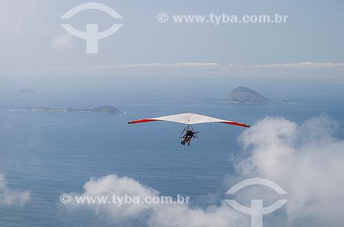 Assunto: Voo duplo de asa delta na rampa da Pedra Bonita / Local: São Conrado - Rio de Janeiro (RJ) - Brasil / Data: 11/2013