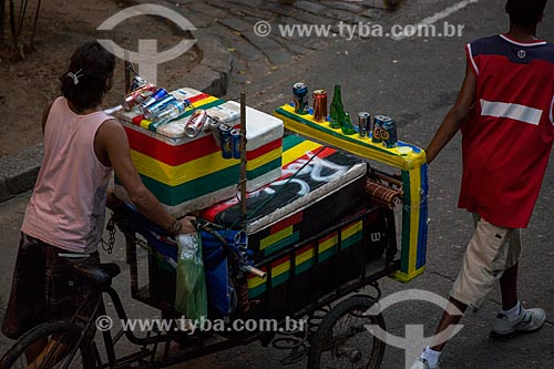Assunto: Vendedor ambulante na Rua do Russel / Local: Glória - Rio de Janeiro (RJ) - Brasil / Data: 02/2014
