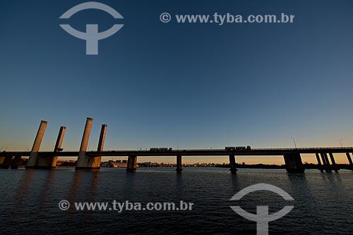 Assunto: Ponte do Guaíba - também conhecida como Ponte Getúlio Vargas / Local: Porto Alegre - Rio Grande do Sul (RS) - Brasil / Data: 04/2013