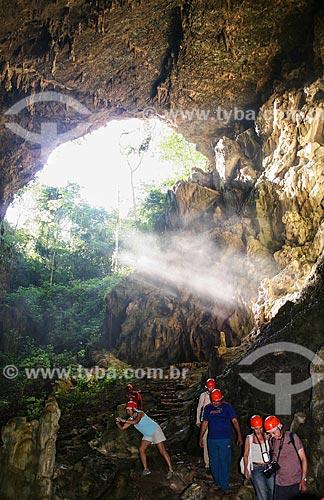 Assunto: Turistas na trilha de acesso à Gruta do Lago Azul / Local: Bonito - Mato Grosso do Sul (MS) - Brasil / Data: 04/2008