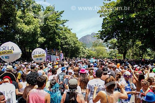 Assunto: Desfile do bloco de carnaval de rua Suvaco do Cristo / Local: Jardim Botânico - Rio de Janeiro (RJ) - Brasil / Data: 02/2014