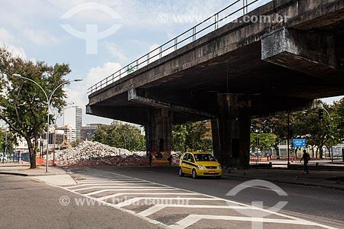 Assunto: Demolição de uma das saídas do Elevado da Perimetral - próximo ao Museu Histórico Nacional / Local: Rio de Janeiro (RJ) - Brasil / Data: 03/2014