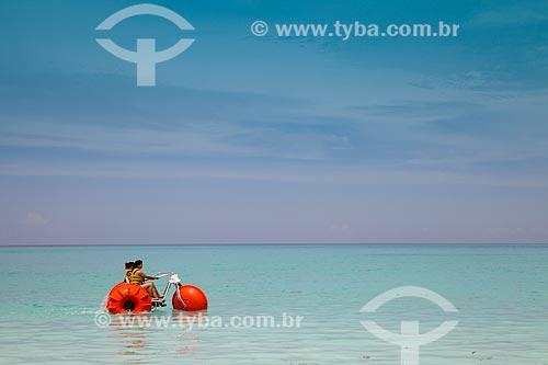Assunto: Turistas em triciclo aquático / Local: Bahamas - América Central / Data: 06/2013