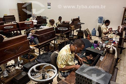Assunto: Linha de produção de charutos / Local: Bahamas - América Central / Data: 06/2013