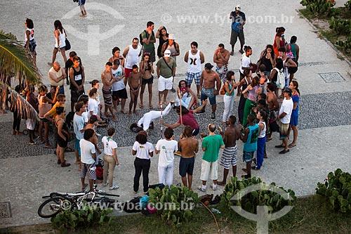 Assunto: Apresentação de capoeira no calçadão da Praia do Arpoador / Local: Ipanema - Rio de Janeiro (RJ) - Brasil / Data: 02/2014