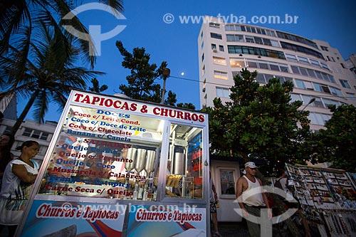 Assunto: Carroçinha de tapioca - também conhecida como beiju - e churros na Praia do Arpoador / Local: Ipanema - Rio de Janeiro (RJ) - Brasil / Data: 02/2014