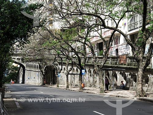Assunto: Rampa de acesso ao Viaduto Otávio Rocha (1932) sobre a Avenida Borges de Medeiros / Local: Porto Alegre - Rio Grande do Sul (RS) - Brasil / Data: 03/2014