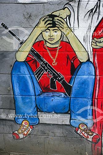 Assunto: Grafite em muro no Complexo do Alemão / Local: Maré - Rio de Janeiro (RJ) - Brasil / Data: 11/2010