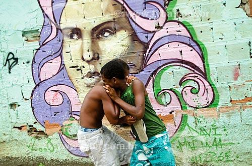 Assunto: Crianças brincando no Morro da Mineira / Local: Catumbi - Rio de Janeiro (RJ) - Brasil / Data: 02/2012