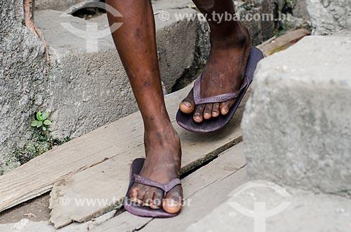 Assunto: Pés de criança no Morro da Mangueira / Local: Rio de Janeiro (RJ) - Brasil / Data: 03/2012