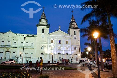 Assunto: Vista noturna da Catedral de São Luís do Maranhão (Catedral de Nossa Senhora da Vitória) e Palácio Episcopal no lado esquerdo / Local: São Luís - Maranhão (MA) - Brasil / Data: 07/2012