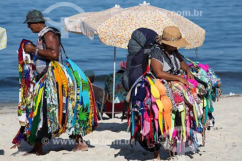 Assunto: Vendedor ambulante na Praia de Copacabana / Local: Copacabana - Rio de Janeiro (RJ) - Brasil / Data: 03/2014