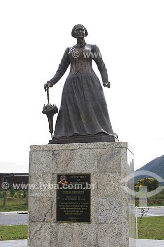 Assunto: Monumento à Imperatriz Teresa Christina (2005) às margens da Rodovia Rio-Teresópolis (BR-116) / Local: Teresópolis - Rio de Janeiro (RJ) - Brasil / Data: 03/2012