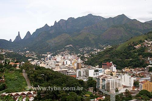 Assunto: Vista geral de Teresópolis com o pico Dedo de Deus ao fundo / Local: Teresópolis - Rio de Janeiro (RJ) - Brasil / Data: 03/2012