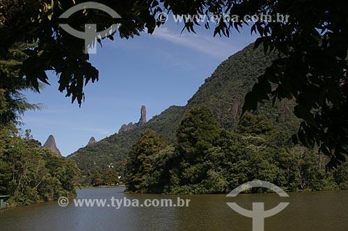 Assunto: Lago Comary na Granja Comary - Centro de treinamento da CBF - com os picos do Escalavrado, Dedo de Nossa Senhora e Dedo de Deus ao fundo / Local: Teresópolis - Rio de Janeiro (RJ) - Brasil / Data: 03/2012