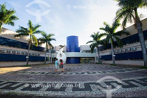 Assunto: Pátio do prédio da reitoria da Universidade Federal de Goiás / Local: Goiânia - Goiás (GO) - Brasil / Data: 05/2014