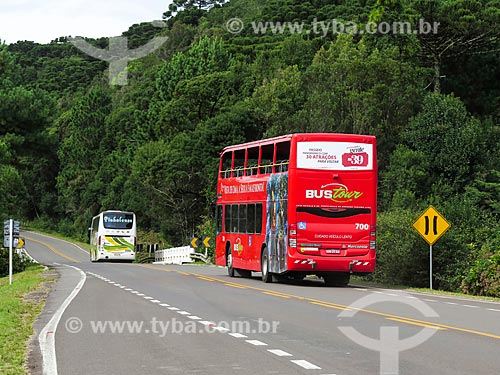 Assunto: Ônibus turístico na Estrada do Caracol / Local: Canela - Rio Grande do Sul (RS) - Brasil / Data: 04/2014