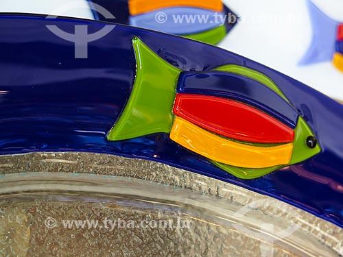 Assunto: Detalhe de prato à venda na loja feito a dois / Local: Canela - Rio Grande do Sul (RS) - Brasil / Data: 04/2014