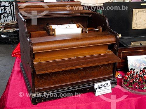 Assunto: Realejo Symphonia na feira de antiguidades da Praça XV / Local: Centro - Rio de Janeiro (RJ) - Brasil / Data: 03/2012