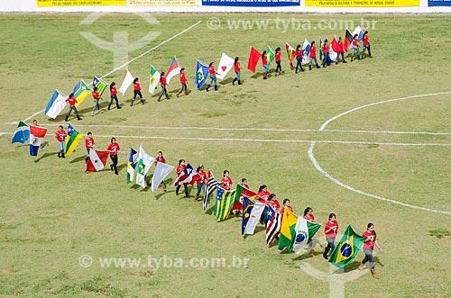 Assunto: Desfile de abertura da Cavalhada com apresentação de grupos folclóricos da Festa do Divino Espiríto Santo / Local: Pirenópolis - Goiás (GO) - Brasil / Data: 05/2012