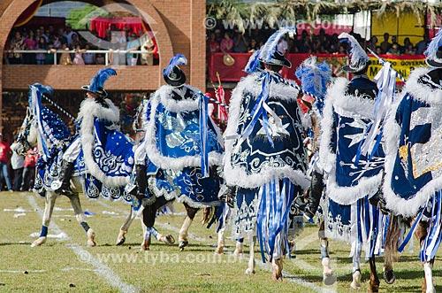 Assunto: Entrada dos Cavaleiros cristãos na Festa do Divino Espiríto Santo / Local: Pirenópolis - Goiás (GO) - Brasil / Data: 05/2012