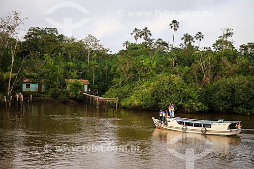 Assunto: Barco Escolar transportando alunos próximo a cidade de Breves / Local: Breves - Pará (PA) - Brasil / Data: 03/2014