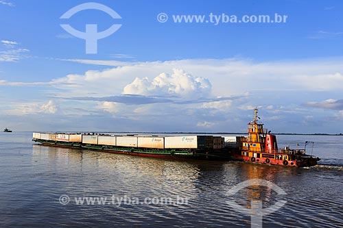 Assunto: Balsa transportando contêiners / Local: Breves - Pará (PA) - Brasil / Data: 03/2014