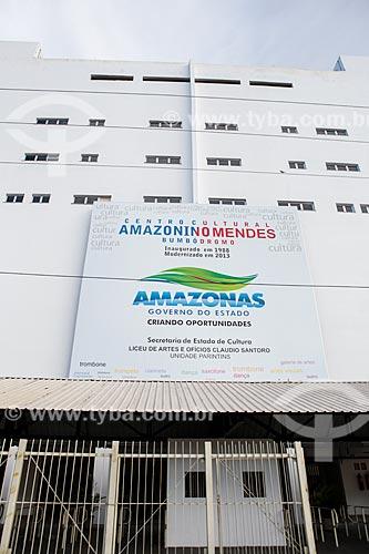 Assunto: Fachada do Centro Cultural e Esportivo Amazonino Mendes (1988) - também conhecido como Bumbódromo / Local: Parintins - Amazonas (AM) - Brasil / Data: 03/2014