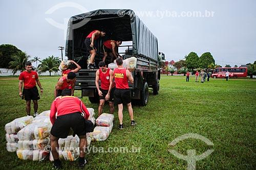 Assunto: Carregamento de cestas básicas para os desabrigados da cheia do Rio Mamoré no Comando de Fronteira Rondônia e 6º Batalhão de Infantaria de Selva / Local: Guajará-Mirim - Rondônia (RO) - Brasil / Data: 04/2014