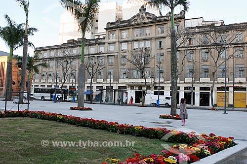 Assunto: Praça Jornal do Comércio com Hotel Barão de Tefé ao fundo / Local: Saúde - Rio de Janeiro (RJ) - Brasil / Data: 07/2012