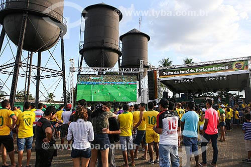 Assunto: Torcedores assistindo ao jogo entre Camarões x Brasil na Praça das Três Caixas DAgua / Local: Porto Velho - Rondônia (RO) - Brasil / Data: 06/2014