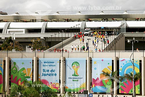 Assunto: Torcedores na rampa do Estádio Jornalista Mário Filho - também conhecido como Maracanã - chegando ao jogo entre Bélgica x Rússia / Local: Maracanã - Rio de Janeiro (RJ) - Brasil / Data: 06/2014