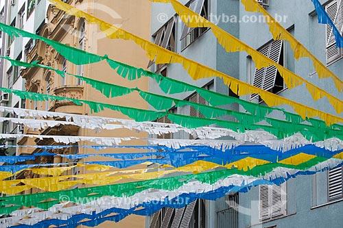Assunto: Rua Corrêa Dutra enfeitada com as cores do Brasil para a Copa do Mundo / Local: Catete - Rio de Janeiro (RJ) - Brasil / Data: 06/2014
