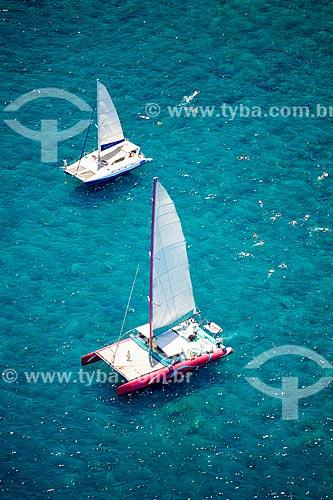 Assunto: Hobby cats no mar próximo à Península Le Morne Brabant / Local: Distrito de Rivière Noire - Maurício - África / Data: 11/2012
