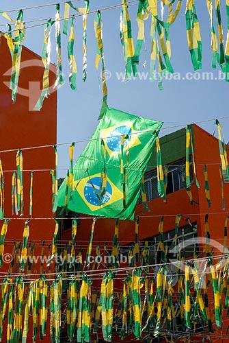 Assunto: Prédios da COHAB Itaquera enfeitados com as cores do Brasil para a Copa do Mundo / Local: Itaquera - São Paulo (SP) - Brasil / Data: 06/2014