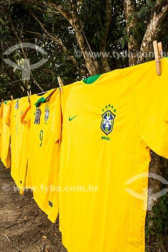 Assunto: Camisas da Seleção Brasileira à venda na rodovia SC-402 / Local: Florianópolis - Santa Catarina (SC) - Brasil / Data: 06/2014