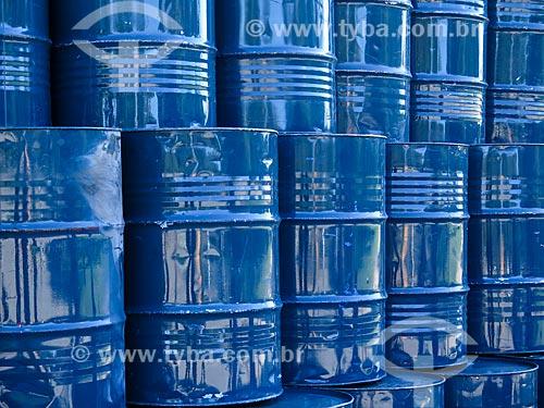 Assunto: Tonéis de petróleo / Local: Porto Alegre - Rio Grande do Sul (RS) - Brasil / Data: 04/2014
