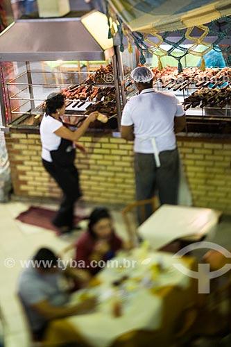 Assunto: Churrasqueira em restaurante no Centro Luiz Gonzaga de Tradições Nordestinas / Local: São Cristovão - Rio de Janeiro (RJ) - Brasil / Data: 05/2014